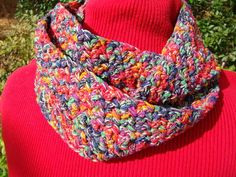 Love the kaleidoscope of colors in this infinity scarf!