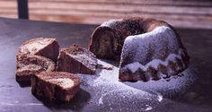 Aφράτη συνταγή για κέικ βανίλιας σοκολάτας από τον Άκη Πετρετζίκη. Βρείτε όλη τη συνταγή στο akispetretzikis.com και φτιάξ΄τε το αμέσως.