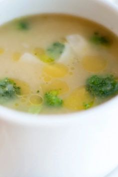 Bright green broccoli florets float prettily in this hearty soup, but it's broccoli stems that do the real work. They're cooked with the potatoes and then pureed to form a creamy base. A final touch of Parmesan gives the soup an Italian feel.#souprecipes #soupinspiration #soup #stew #chili #soupideas Kitchen Recipes, Wine Recipes, Cooking Recipes, Healthy Recipes, Healthy Soups, Lentil Recipes, Vegetarian Recipes, Broccoli Potato Soup, Broccoli Soup Recipes