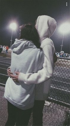 40 Sweet And Goofy Couples In Hoodies To Make You Wanna Fall In Love Right Now - Page 20 of 40 Relationship Goals boyfriend goals Goofy Couples, Beaux Couples, Cute Couples Photos, Cute Couple Pictures, Cute Couples Goals, Teenage Couples, Couples In Love, Love Pics, Cute Couple Things