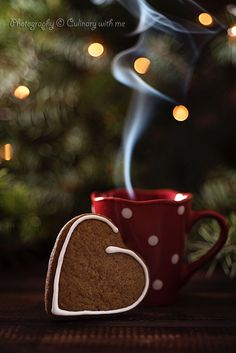 Chiara I learned everything with you for 11 years together. But, it just did not teach me one. Coffee Heart, Coffee Love, Coffee Break, Christmas Coffee, Christmas Mood, Christmas And New Year, Gif Café, Christmas Food Photography, Wallpaper Natal