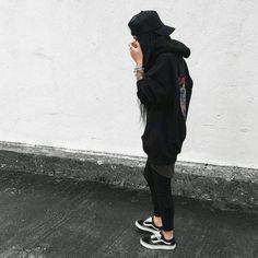 Cute Outfits for tomboys . Cute Outfits for tomboys . Pin On Dream Closet Cute Tomboy Outfits, Tomboy Look, Cool Outfits, Tomboy Fashion, Girl Fashion, Fashion Outfits, Womens Fashion, Fashion Black, Girl Photo Poses
