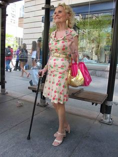 Want to be as un-dowdy as this woman when I am her age (also, cute dress!)