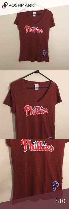 🛍 Moving Clear Out! Red Phillies Vneck Tshirt Good condition, no rips or stains Campus Lifestsyle Tops Tees - Short Sleeve