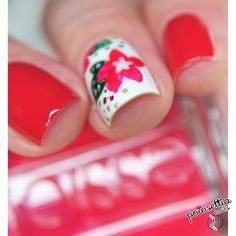 Christmas Poinsettia nails with essie: tutorial.