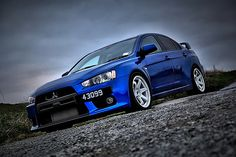 Mitsubishi Lancer Evolution, Blue.