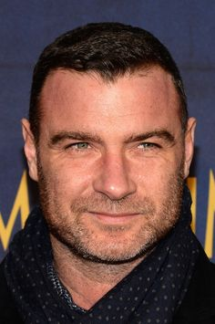 Liev Schreiber Photos - Actor Liev Schreiber attends the 'Night At The Museum: Secret Of The Tomb' New York Premiere at Ziegfeld Theater on December 2014 in New York City. - 'Night at the Museum: Secret of the Tomb' Premiere Ray Donovan, Tom Hiddleston Benedict Cumberbatch, Beard Boy, Liev Schreiber, Most Handsome Actors, Beard Model, Night At The Museum, Star Wars, Actrices Hollywood