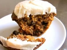 gf carrot cake muffins. i made them with a flax egg & #vegan cream cheese. score!