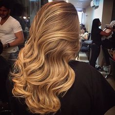 Carmel hair with loose curls