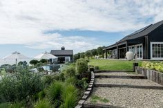 Backyard to Die For at a Modern Barn House in New Zealand - Nordic Design Modern Barn House, Modern Mansion, Shed Homes, Nordic Design, The Ranch, Black House, Architecture, Building A House, Building Ideas