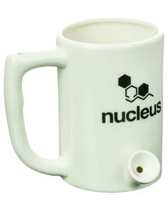 This ceramic coffee mug is also a hand pipe! Cleverly designed and user-friendly, waking up in the morning just got easier with the Pipemug by Nucleus. Cheap Bongs, Cool Bongs, Glass Pipes, Water Pipes, Wake And Bake, Pipes And Bongs, Hand Pipes, Glass Bongs, Color Glaze
