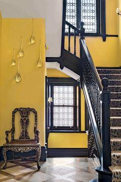 Decorators to Know: Alberto Pinto | 1stdibs