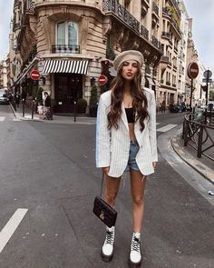 26 Everyday Street Style Ideas To Look Cool – New York Fashion New Trends Image Fashion, Look Fashion, Winter Fashion, Girl Fashion, Fashion Outfits, Womens Fashion, Fashion Spring, Paris Outfits, Fall Outfits