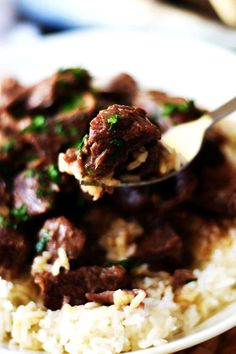 Instant Pot Beef Tips - juicy sirloin beef chunks pressure cooked in a rich delicious gravy until tender ! These melt in your mouth hearty bites are full of delicious flavor! Sirloin Tip Steak, Sirloin Steak Recipes, Sirloin Roast, Roast Recipes, Cooking Recipes, Crockpot Recipes, Beef Chunks Recipes Easy, Ninja Recipes, Crockpot Dishes