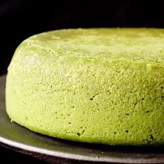 Shiwashi Souffle Cheese Cake Video Ingredients⠀ Hot cake mix 60 g ⠀. , Shiwashi Souffle Cheese Cake Video Ingredients⠀ Hot cake mix 60 g ⠀ Cream cheese 200 g ⠀ Granulated sugar 40 g ⠀ Fresh cream ⠀ 2 eggs Ma. Green Tea Recipes, Sweet Recipes, Baking Recipes, Dessert Recipes, Matcha Cake, Matcha Sponge Cake Recipe, Matcha Dessert, Delicious Desserts, Yummy Food