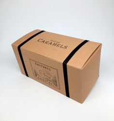 Large Gift Box of Assorted Caramels Cupcake Packaging, Fruit Packaging, Custom Packaging, Large Gift Boxes, Caramel Candy, Packing Ideas, Cardboard Packaging, Outdoor Store, Packaging
