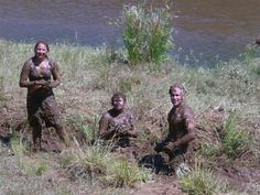 Fun in the mud for the Field Guide students