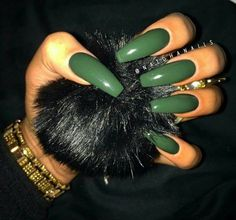 Green Coffin Nail goals. Tag a friend who'd rock these! #Nailinspiration #Nails #Inspiration #Inspo #Coffin #Nailgoals #Acrylics #Green #Darkgreen #Love #Style #Suavecita