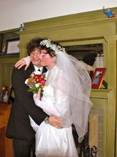 Amanda MacKinnon Palmer and Neil Richard Gaiman were married on Jan. Geek Couple, Dresden Dolls, Amanda Palmer, One Rose, Neil Gaiman, Beautiful People, Handsome, Neo Victorian, Wedding Dresses