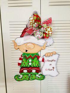 Christmas Naughty or Nice Elf door hanger Christmas Yard, Christmas Signs, Christmas Projects, Christmas Door Hangers, Wood Craft Patterns, Wooden Pattern, Burlap Door Hangers, Wooden Hangers, Christmas Mini Sessions