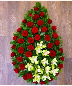 Coroana funerara trandafiri si orhidee Funeral Bouquet, Church Flower Arrangements, Diy And Crafts, Christmas Wreaths, Holiday Decor, Flowers, Funeral Flower Arrangements, Button Art, Royal Icing Flowers