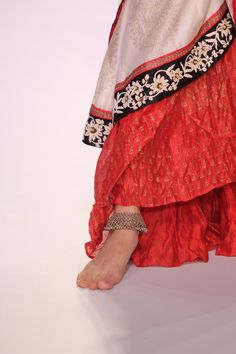 A lovely silver anklet at the India International Jewellery Week. #Bollywood #Fashion