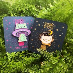 Kawaii Accessories, Cool Pins, Pin And Patches, Metal Pins, Crafty Projects, Stickers, Pin Badges, Lapel Pins, Pin Collection