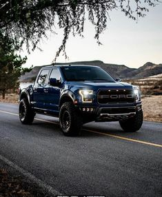 Ford Ranger Raptor, Ford Raptor, Jacked Up Trucks, Cool Trucks, Ford Ranger Wildtrak, Truck Bed Covers, Cool Sports Cars, Toyota Cars, Dream Cars