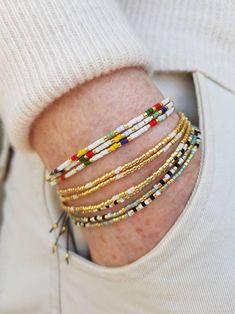 Bracelets Fins, Beaded Wrap Bracelets, Seed Bead Bracelets, Beaded Jewelry, Beaded Bracelets Tutorial, Bangles, Jewelry Gifts, Jewelery, How To Make Beads