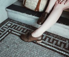 Dansko Louise | 1000s of comfortable women's shoes reviewed at www.BarkingDogShoes.com