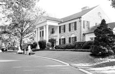I was able to visit Graceland when I was in Memphis a few months ago. Elvis Presley's Graceland is nearly 14 acres… Elvis Presley House, Elvis Presley Graceland, Baby Grand Pianos, Jungle Room, Meditation Garden, Black Babies, Old Tv, Memphis, Touring