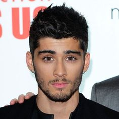 Zayn Malik has quit One Direction because he wants to live like a 'normal' Michael Hogan offers his advice, from Nando's to Wetherspoons to holidays in Magaluf Celebrity Haircuts, Hairstyles Haircuts, Haircuts For Men, Cool Hairstyles, Zayn News, Zayn Malik Hairstyle, Ex One Direction, Perrie Edwards, Trends