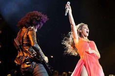 """Tour supersexy per Beyoncé. Nude look da Belgrado per dare il """"The Mrs Carter World Tour"""".  Deus ex machina di questo look così sensuale non poteva che essere Peter Dundas  http://www.sfilate.it/188331/tour-supersexy-per-beyonce-nude-look-da-belgrado"""