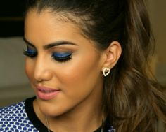 """""""Night out"""" blue make-up look tutorial by Camila Coelho"""