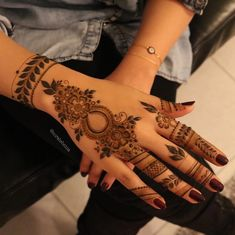 Mehndi henna designs are always searchable by Pakistani women and girls. Women, girls and also kids apply henna on their hands, feet and also on neck to look more gorgeous and traditional. Henna Hand Designs, Eid Mehndi Designs, Mehndi Designs Finger, Mehndi Designs For Girls, Mehndi Designs For Beginners, Modern Mehndi Designs, Mehndi Design Photos, Wedding Mehndi Designs, Mehndi Designs For Fingers
