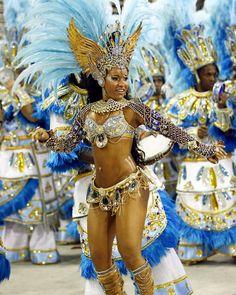 Carnival in Rio Carnival Dancers, Carnival Girl, Brazil Carnival, Carnival Outfits, Carnival Makeup, Carribean Carnival Costumes, Caribbean Carnival, Brazilian Samba, Belly Dance Outfit