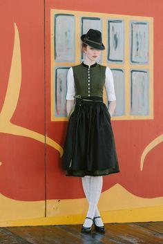 Preparing for Oktoberfest Drindl Dress, German Costume, Trendy Outfits, Cute Outfits, German Outfit, Look Retro, German Fashion, Winter Mode, Folk Fashion