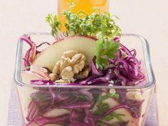 Rezept: Rotkohl-Apfel-Salat mit Walnüssen