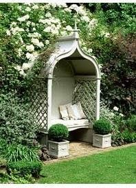 I love thie little reading nook. Its like a little english cottage in the…