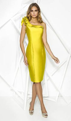 We carry a beautiful selection of Cocktail Dresses. Party Gowns, Party Dress, Skirt Outfits, Cool Outfits, Mode Chic, Short Dresses, Formal Dresses, Yellow Fashion, Elegant Dresses