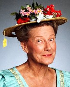 Minnie Pearl * Hew Haw comedienne known for her trademark hat and country jokes.