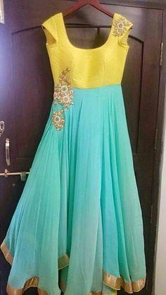 59 Ideas dancing outfits for women simple for 2019 Kurti Designs Party Wear, Kurta Designs, Saree Blouse Designs, Anarkali Dress, Red Lehenga, Lehenga Choli, Bridal Lehenga, Long Dress Design, Dress Neck Designs