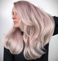Beautiful hairstyles with side-swept bangs for long hair. Plenty of ideas how to style your already beautiful long hair with fringes or bangs. Side Bangs With Long Hair, Long Curly Hair, Curly Hair Styles, Natural Hair Styles, Messy Hairstyles, Pretty Hairstyles, Beautiful Long Hair, Hair Looks, Her Hair