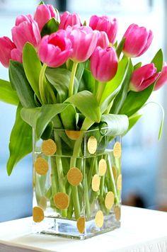 Hi Sugarplum   Simple DIY Gold Dot Vase