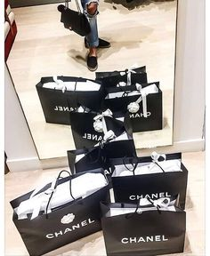 Rich baby high end brands, luxe life, shopping spree, go shopping, retail Shopping Spree, Go Shopping, Birthday Goals, High End Brands, Just Girly Things, Girly Stuff, Shop Till You Drop, Luxe Life, Luxury Shop