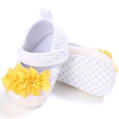 Latest Collection Of Baby Girls First Walker Sweet Soft Warm Antiskid Elegant Toddler Flower Polka Crib Shoes New Arrival As Effectively As A Fairy Does Baby Shoes Mother & Kids