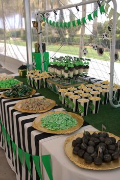Charming Things: May 2015 - Charming Things: May 2015 - Soccer Birthday Parties, Football Birthday, Sports Birthday, Soccer Party, Birthday Party Themes, Soccer Baby Showers, Soccer Banquet, Football Themes, Football Party Foods