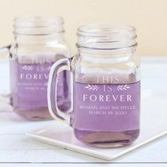 From the lovely collection 'This is forever', these printed mason jar mugs can be personalized with your names and the date of your wedding. These mugs are not only a charming table decor, they become excellent favors for your guests to bring home!