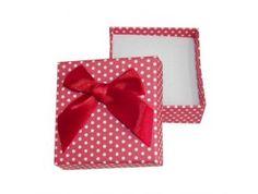 Bodkovaná červená krabička