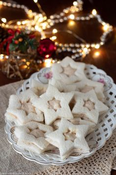 Christmas Tea Party, Christmas Dishes, Christmas Cookies, Christmas Time, Party Finger Foods, Finger Food Appetizers, Party Snacks, Star Cookies, Empanadas